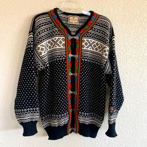 Dale of Norway Pure Wool Embroidered Sweater
